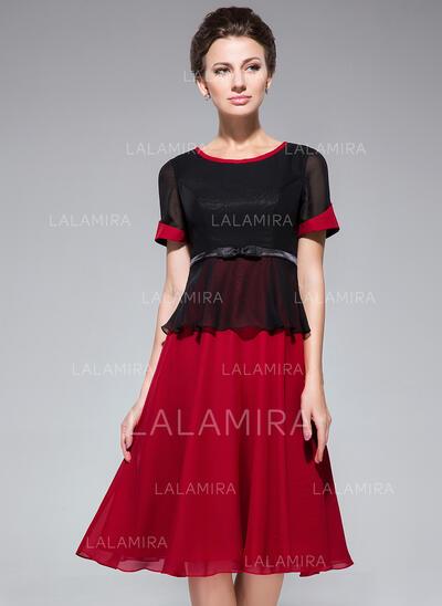 Corte A Decote redondo Coquetel Tecido de seda Vestido para a mãe da noiva com Curvado (008042832)