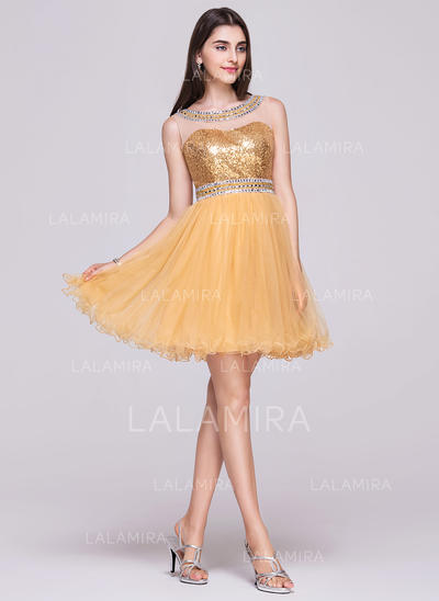 A-Line/Princess Short/Mini Tulle Sequined Scoop Neck Homecoming Dresses