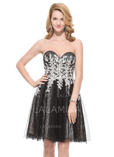 Tulle Dentelle Sans bretelle Forme Princesse Amoureux Robes de soirée étudiante (022214111)