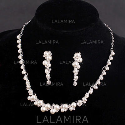 Jewelry Sets Alloy/Rhinestones/Imitation Pearls Rhinestone/Imitation Pearls Ladies' Romantic Wedding & Party Jewelry (011167465)
