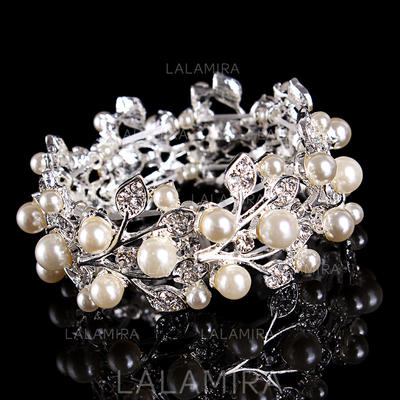 Bracelets Alloy/Rhinestones Ladies' Fashional Wedding & Party Jewelry (011167404)