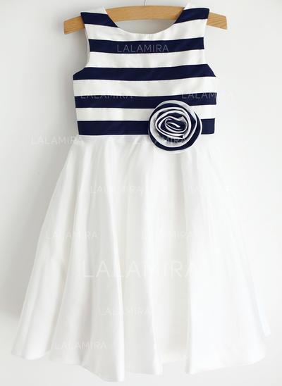 Stunning Scoop Neck A-Line/Princess Flower Girl Dresses Knee-length Taffeta Sleeveless (010196739)