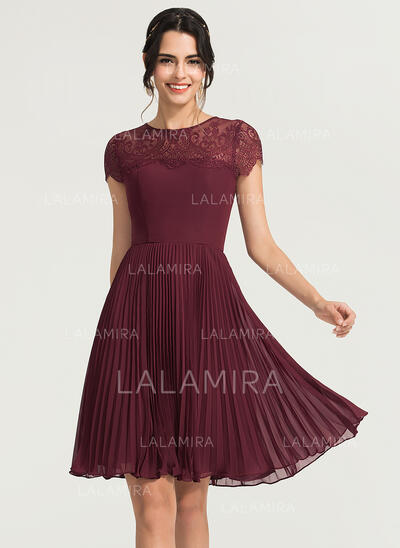 A-Line Scoop Neck Knee-Length Chiffon Cocktail Dress With Pleated (016170837)