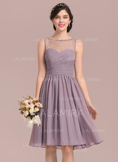 A-Line/Princess Scoop Neck Knee-Length Chiffon Lace Bridesmaid Dress With Ruffle (007126447)