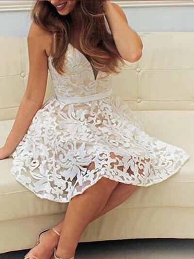 Deslumbrante Renda Vestidos princesa/ Formato A Decote V Vestidos de cocktail (016217684)