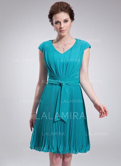 2c20fa8cd49 A-Line Princess V-neck Knee-Length Chiffon Homecoming Dresses With Pleated