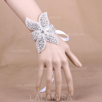"Wrist Corsage Wedding/Party Satin 3.94"" (Approx.10cm) The color of embellishments are shown as picture/The length of wrist corsage is adjustable Wedding Flowers (123188766)"