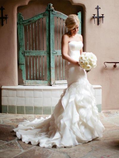 Sweetheart Trumpet/Mermaid Wedding Dresses Organza Cascading Ruffles Sleeveless Court Train