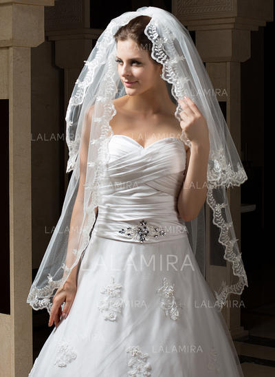 Fingertip Bridal Veils Tulle Two-tier Mantilla With Lace Applique Edge Wedding Veils (006151179)