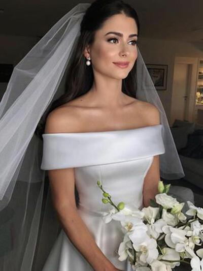 Magnificent Satin Wedding Dresses With Regular Straps Bow(s) (002218061)