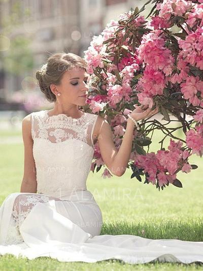 A-Line/Princess Scoop Court Train Wedding Dresses With Lace (002217846)