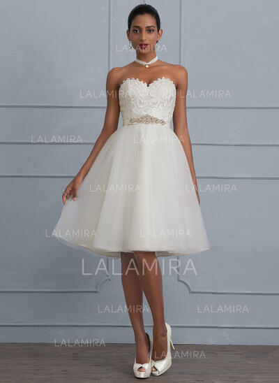 A-Line Sweetheart Knee-Length Tulle Wedding Dress With Beading (002117103)