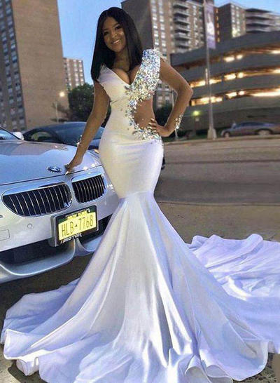 Trumpet/Mermaid V-neck Chapel Train Prom Dresses With Beading (018219375)