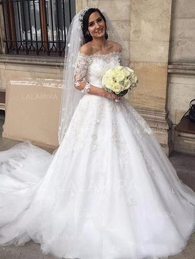 Off-The-Shoulder Ball-Gown Wedding Dresses Tulle Lace Appliques Half Sleeves Chapel Train (002213512)