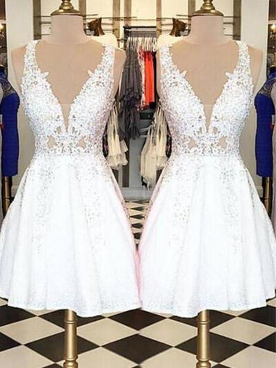 A-Line/Princess V-neck Short/Mini Homecoming Dresses With Appliques Lace (022216233)