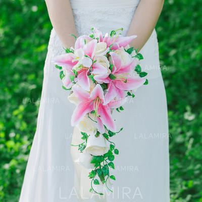 "Bridal Bouquets Cascade Wedding Artificial Silk 9.84""(Approx.25cm) Wedding Flowers (123189136)"