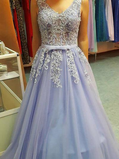 A-Line/Princess V-neck Floor-Length Tulle Prom Dresses With Appliques Lace (018217339)