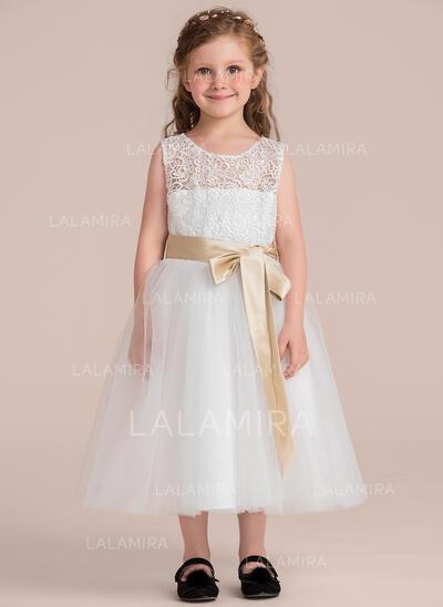 Knee-length Flower Girl Dress With Back Hole