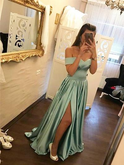 A-Line/Princess Off-the-Shoulder Sweep Train Prom Dresses With Ruffle (018217357)