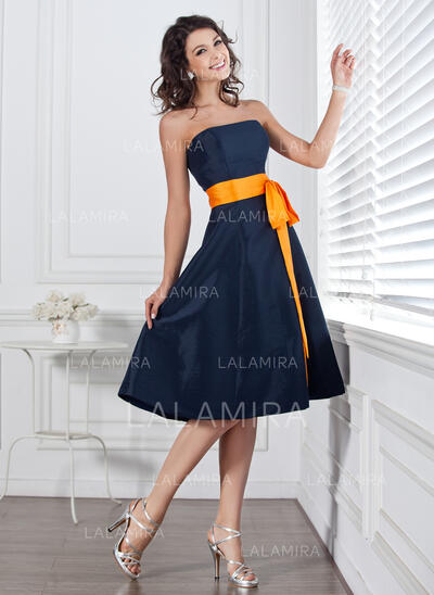 A-Line Strapless Knee-Length Taffeta Bridesmaid Dress With Sash Bow(s) (007004106)