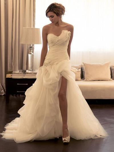 Sheath/Column Sweetheart Court Train Tulle Wedding Dresses (002144861)