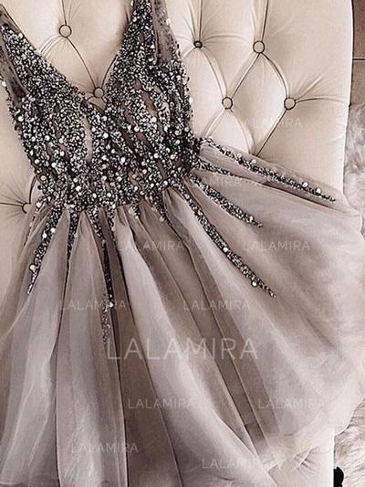 A-Line/Princess V-neck Short/Mini Homecoming Dresses With Beading (022216219)