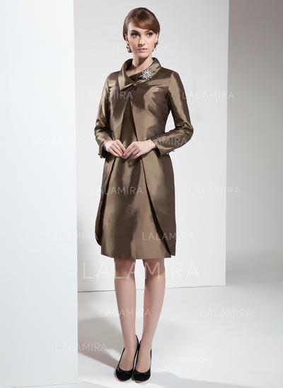 Sheath/Column Taffeta Sleeveless Scoop Neck Knee-Length Zipper Up Mother of the Bride Dresses (008213098)