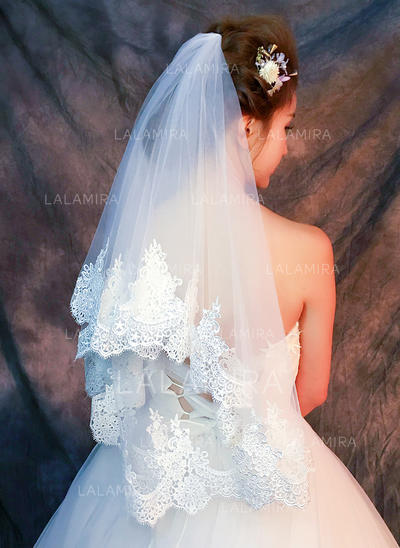 Fingertip Bridal Veils Tulle/Lace One-tier Classic With Lace Applique Edge Wedding Veils (006152341)