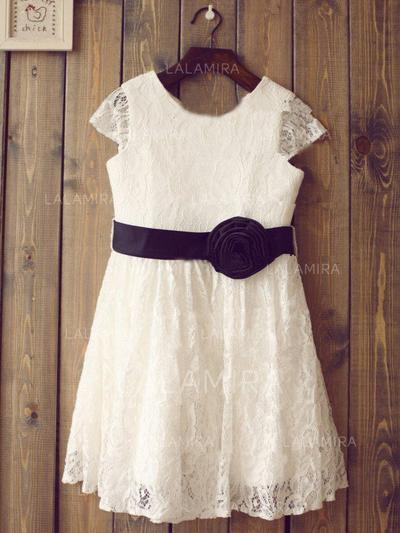 Scoop Neck A-Line/Princess Flower Girl Dresses Lace Flower(s) Short Sleeves Knee-length (010211940)