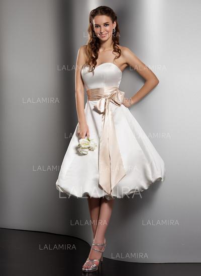 Sweetheart A-Line/Princess Wedding Dresses Satin Sash Bow(s) Sleeveless Knee-Length (002211150)
