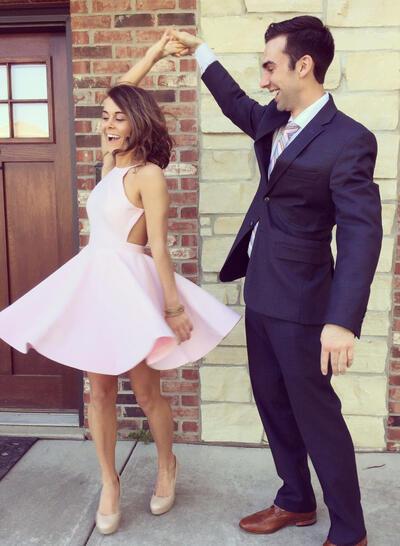 A-Line/Princess Elegant Halter Sleeveless Satin Cocktail Dresses (016145345)