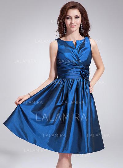 Knee-Length A-Line/Princess Sleeveless Taffeta Bridesmaid Dresses (007198553)