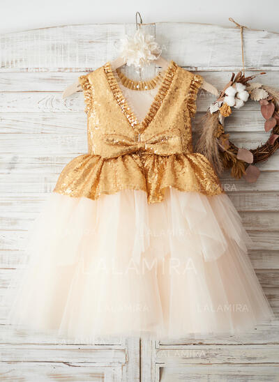 A-Line/Princess Knee-length Flower Girl Dress - Tulle/Sequined Sleeveless Scoop Neck With Bow(s)/V Back (010163906)