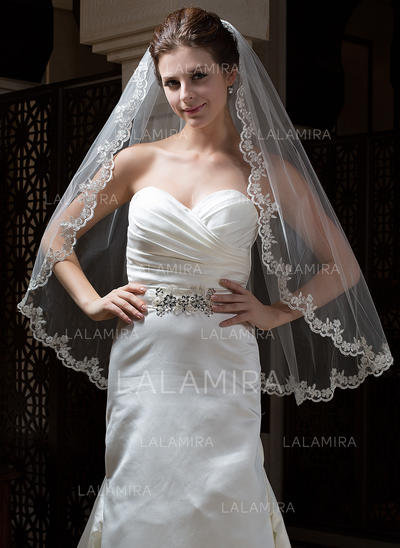 Fingertip Bridal Veils Tulle One-tier Oval/Mantilla With Lace Applique Edge Wedding Veils (006151158)