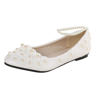 Women's Closed Toe Flats Flat Heel Patent Leather With Imitation Pearl Applique Wedding Shoes (047207241)