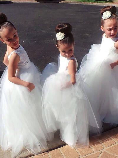 Scoop Neck Ball Gown Flower Girl Dresses Tulle Pleated Sleeveless Floor-length (010211741)