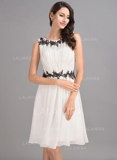 A-Line/Princess Knee-Length Chiffon Scoop Neck Homecoming Dresses (022053552)