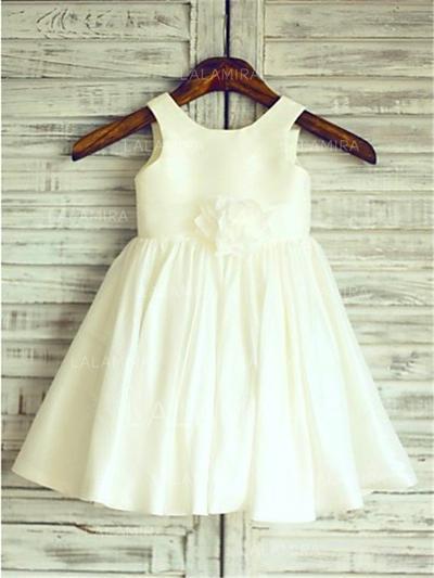 Scoop Neck A-Line/Princess Flower Girl Dresses Taffeta Flower(s)/Pleated Sleeveless Knee-length (010212045)