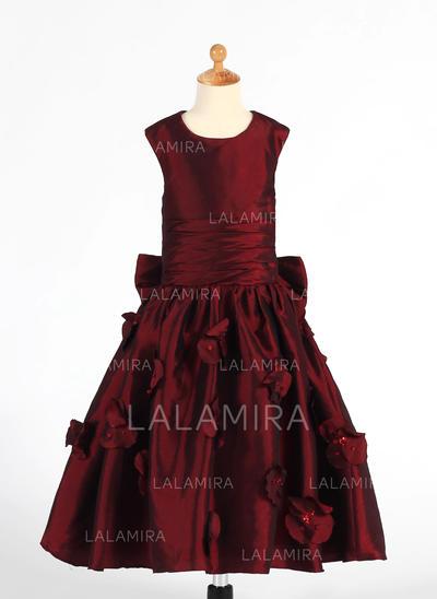 A-Line/Princess Scoop Neck Tea-length With Ruffles/Flower(s)/Sequins/Bow(s) Taffeta Flower Girl Dresses (010212146)
