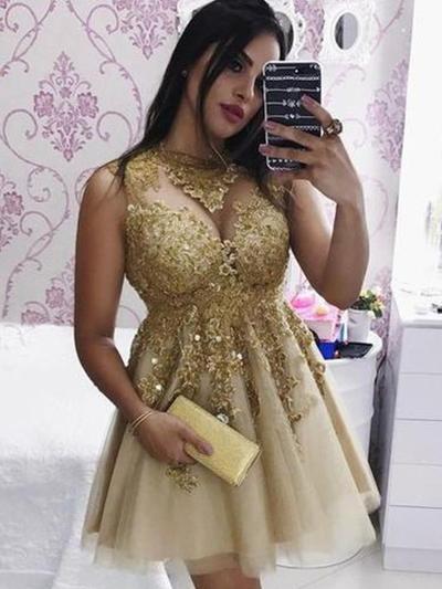 A-Line/Princess Scoop Neck Short/Mini Cocktail Dresses With Appliques (016219356)