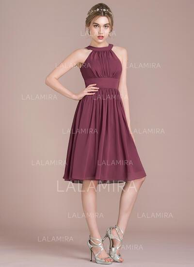 A-Line/Princess Scoop Neck Knee-Length Chiffon Bridesmaid Dress With Ruffle (007105591)