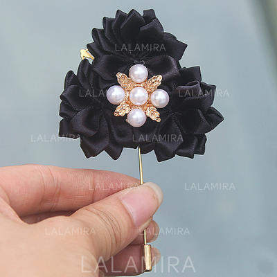 """Boutonniere Free-Form Wedding/Party Satin 2.76"""" (Approx.7cm) Wedding Flowers (123190411)"""