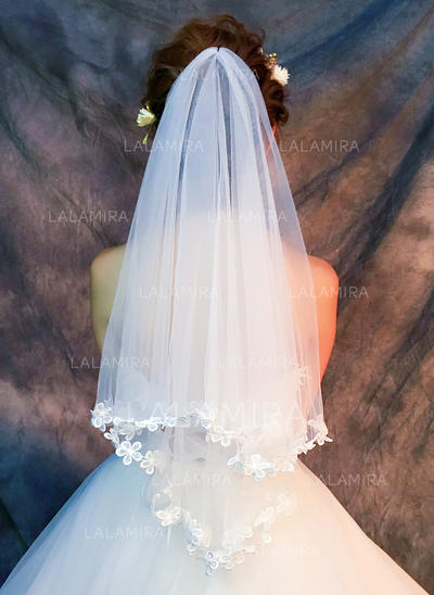 Fingertip Bridal Veils Tulle/Lace One-tier Classic With Lace Applique Edge Wedding Veils (006152339)