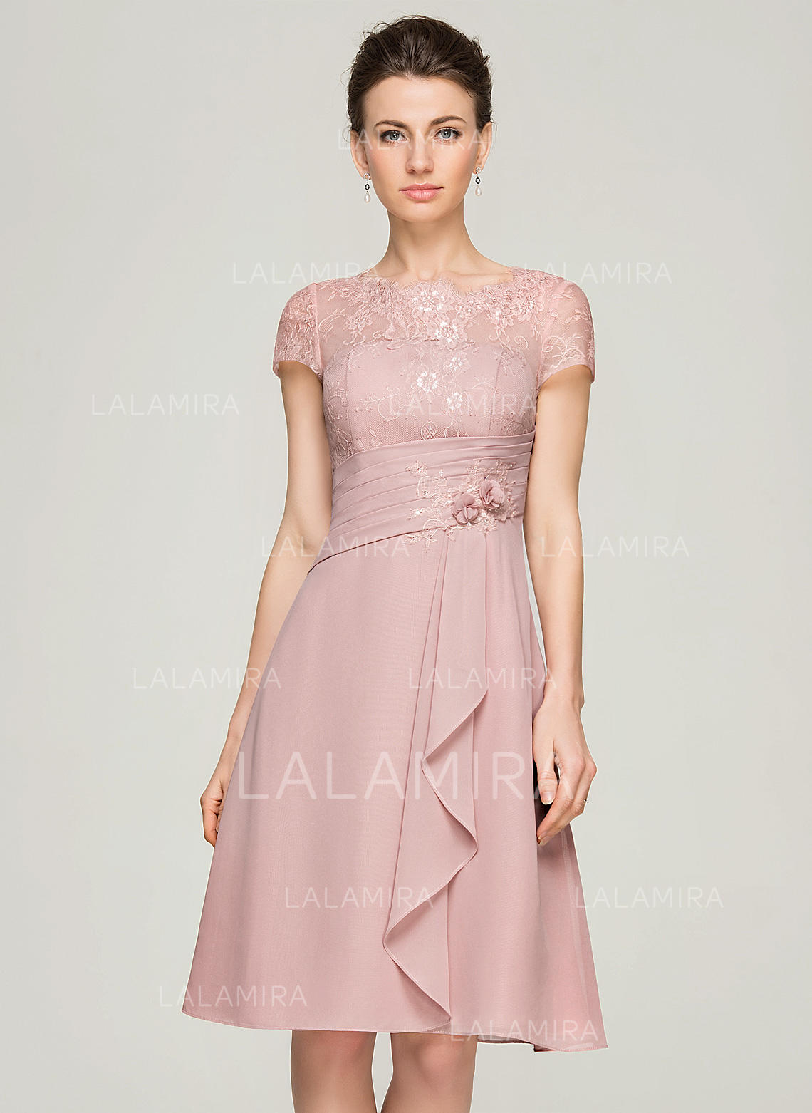 c7c7a63699c A-Line Princess Scoop Neck Knee-Length Chiffon Cocktail Dress With Beading  Flower. Loading zoom