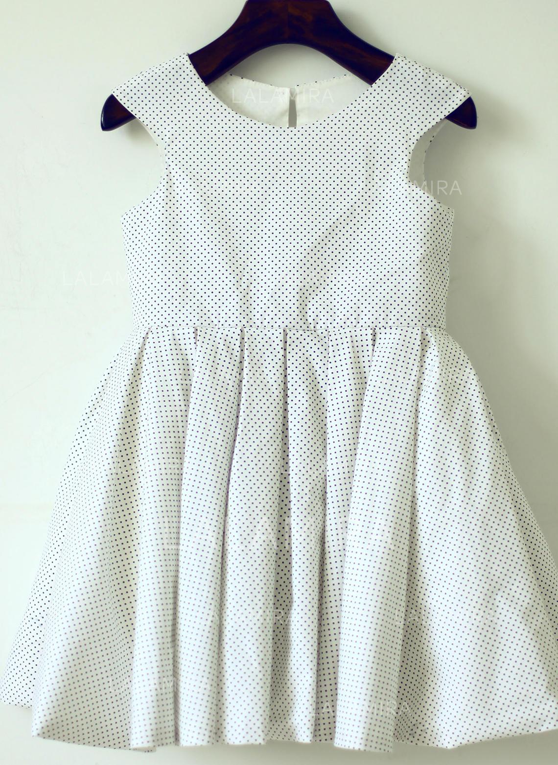 fad3e3315 Scoop Neck A-Line/Princess Flower Girl Dresses Back Hole Sleeveless  Knee-length. Loading zoom