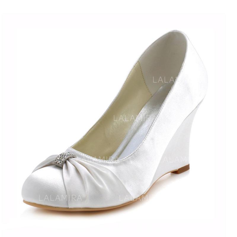 a75414d42bdd02 Femmes Bout fermé Escarpins Talon compensé Satiné Chaussures de mariage  (047090449). Loading zoom