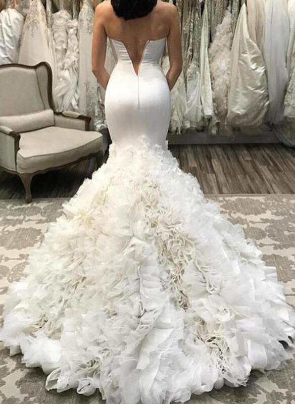 Trumpet/Mermaid Sweetheart Court Train Wedding Dresses With Ruffle ...