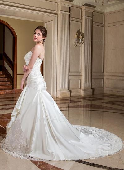 prune mère des robes de mariée