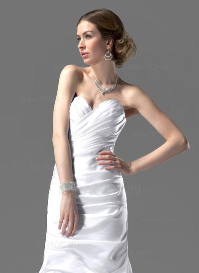 robes de mariée en dentelle 2021