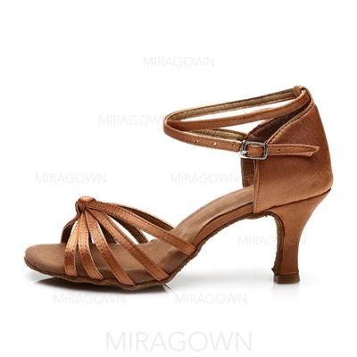 Femmes Latin Talons Sandales Satiné avec Lanière de cheville Chaussures de danse (053063273)